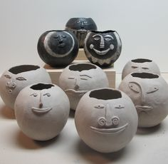 DIY Pinch pots with balloons and air dry clay? Clay Pinch Pots, Ceramic Pinch Pots, Ceramic Clay, Ceramic Pottery, Slab Pottery, Pottery Vase, Ceramic Bowls, Ceramics Projects, Clay Projects