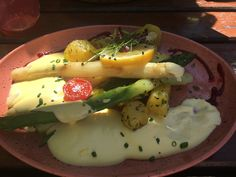 Spargel mit Sauce Hollandaise- mein Highlight im April Sauce Hollandaise, Retro Stil, Eggs, Breakfast, Food, Asparagus, Environment, Essen, Morning Coffee