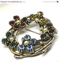 Floral Brooch  Vintage Gold Tone Faux Pearls by MyDellaWear