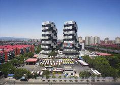 "Complejo Habitacional ""Bumps"" / SAKO Architects"