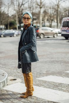 Paris Fashion Week Fall 2020 Street Style Photos Best Men's Street Style, Looks Street Style, Autumn Street Style, Cool Street Fashion, Paris Fashion, Autumn Fashion, Men Street, Paris Street, Mademoiselle Yulia