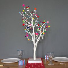 Are you interested in our Christmas tree? With our Pom Pom Christmas tree you need look no further. Traditional Christmas Tree, Small Christmas Trees, Modern Christmas, Christmas Tree Decorations, White Christmas, Christmas Crafts, Christmas Ideas, Xmas, Pom Poms