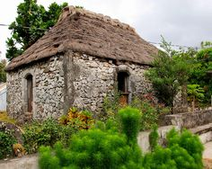 stone houses in Batanes, Philippines which can withstand extreme rains. Siargao Island, Boracay Island, Philippine Architecture, Houses In Ireland, Old Stone Houses, Brick Houses, Batanes, Storybook Cottage, Island Beach