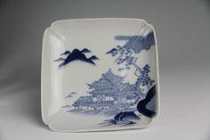 「後期鍋島 楼閣山水紋 角皿」