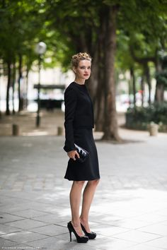 Natalia Vodianova, perfect skirt length, classic black outfit for any occasion