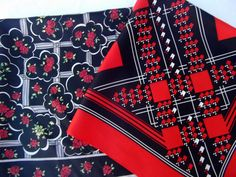 lot of 2 vintage scarves, roses, geometric print