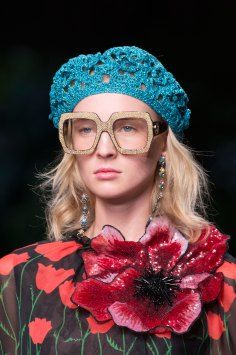 Gucci Resort 2016 #fashion #eyeglasses  Trend: large frames