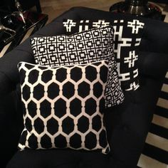 100% cotton Square graphic black and white cushions which comes in a set of 2. Mix and match with our other cushions of the Eichholtz's collection.