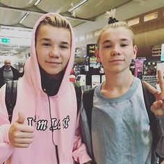 One day my friend told to me that she hated you and I was like:*im gonna kill you!* *You have 2 seconds to run* *You need a doctor! Marcus Y Martinus, Dream Boyfriend, I Go Crazy, Cute Twins, Love U Forever, Normal Person, M Photos, Celebs, Celebrities
