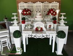 Aluguel Decoração Casamento Vermelho e Branco Com Biombo - http://www.adornardecoracoesfestas.com.br/locacao-decoracao-casamento-vermelho-e-branco-com-biombo/