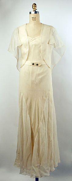 Evening dress Department Store: Henri Bendel  Date: ca. 1935 Culture: American Medium: silk Accession Number: 1976.37.18a–c