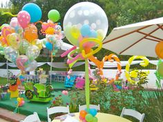 Double Stuffed Polka Dot Balloon Decor