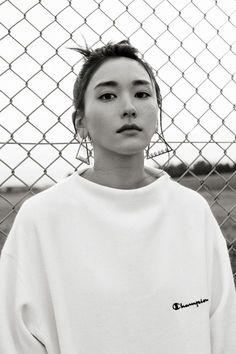 Aragaki Yui for Nylon Japan, 2015 Japan Fashion, Girl Fashion, Aesthetic Beauty, Japanese Girl, Pulls, Cute Girls, Asian Girl, At Least, Fashion Photography