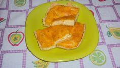 Massa:  - 8 colheres (sopa) de farinha de trigo  - 1 pitada de sal  - 4 colheres (sopa) de margarina  - 5 colheres (sopa) de queijo parmesão ralado  - Recheio:  - 100 g de queijo de minas ou cottage  - 4 ovos batidos  - 1 xícara (chá) de leite  -
