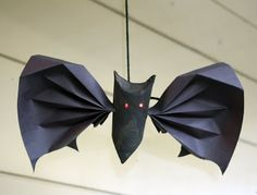 Toilet Paper Roll halloween bat Craft Ideas — Saved By Love Creations Kids Crafts, Fall Crafts, Holiday Crafts, Craft Projects, Project Ideas, Craft Ideas, Holiday Decor, Spooky Halloween Crafts, Halloween Party Decor