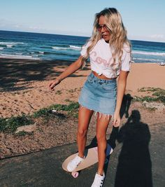 Casual and modern beach outfits 2019 Outfit teen. The post Casual and modern beach outfits 2019 appeared first on Vintage ideas. Casual Chic Outfits, Street Style Outfits, Mode Outfits, Cute Summer Outfits, Trendy Outfits, Fashion Outfits, Fashion Trends, Fashion Clothes, Womens Fashion