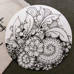 Doodle Art Drawing, Zentangle Drawings, Doodles Zentangles, Mandala Drawing, Doodle Art Designs, Doodle Patterns, Zentangle Patterns, Art Patterns, Zantangle Art