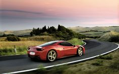 Free Ferrari 458 Italia Luxury Sports Car Desktop Wallpapers