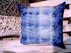 Tie dye cushions Window Displays, My Design, Tie Dye, Cushions, Throw Pillows, Diy, Fashion Design, Style, Bricolage