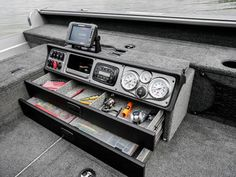 Résultats de recherche d'images pour «lund boats storage»