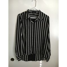 Forever 21 blouse Black and white vertical stripe top Forever 21 Tops Button Down Shirts
