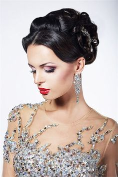 Hair News: Theorie Announces Holiday Style Salon Competition Fresh Wedding Makeup, Wedding Hair And Makeup, Bridal Makeup, Mod Wedding, Wedding Blog, Wedding Themes, Glamorous Wedding, Industrial Wedding, Holiday Fashion