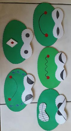 Board Decoration, Class Decoration, Diy And Crafts, Crafts For Kids, Arts And Crafts, Emotions Preschool, Frog Theme, Paper Plate Crafts, Kindergarten Art
