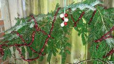kersttakken uit eigen tuin versierd