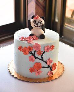 15 Panda Cake Ideas That Are Absolutely Beautiful Panda Birthday Cake, 21st Birthday, Creative Cake Decorating, Creative Cakes, Types Of Birthday Cakes, Panda Cakes, Beautiful Birthday Cakes, Occasion Cakes, Cake Designs