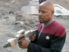 Star Trek Phaser, Star Trek Tv, Star Trek Series, Star Wars, Deep Space 9, Star Trek Universe, Sci Fi, Geek, Stars