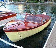 1958 Thompson 17′ Sea Lancer c/w 40HP Johnson