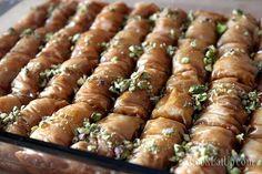 Το σαραγλί και τα μυστικά του ⋆ Cook Eat Up! Greek Sweets, Greek Desserts, Greek Recipes, Greek Pastries, Greek Beauty, How To Make Bread, Asparagus, Holiday Recipes, Sweet Tooth