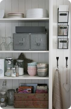 ***[storage]***metal drawers~wooden crates~wire baskets