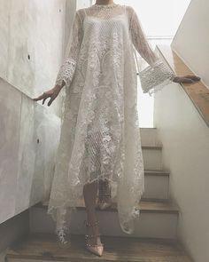 Kebaya Lace, Kebaya Dress, Dress Pesta, Dress Brokat Modern, Kebaya Modern Dress, Wedding Robe, Hijab Dress Party, The Dress, Dress Brukat