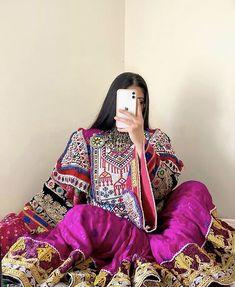 W Dresses, Afghan Dresses, Fashion Dresses, Pakistani Dress Design, Pakistani Dresses, Dress Jewellery, Jewelry, Afghanistan Culture, Afghani Clothes
