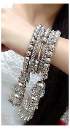 Antique Jewellery Designs, Fancy Jewellery, Stylish Jewelry, Bridal Bangles, Bridal Jewelry Sets, Silver Bangles, Silver Jhumkas, Indian Jewelry Sets, Silver Jewellery Indian