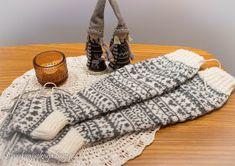 Silmukanjuoksuja: joulukuuta 2015 Knitting, Crocheting, Furniture, Home Decor, Crochet, Decoration Home, Tricot, Room Decor, Breien