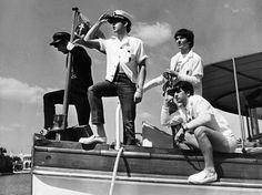 Beatles http://www.vogue.fr/culture/a-ecouter/diaporama/la-playlist-de-local-natives/11553/image/682642#bob-dylan