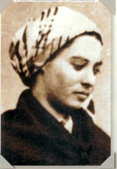Saint Bernadette Soubirous and Her Life of Hardship and Sacrifice Ste Bernadette, St Bernadette Of Lourdes, St Bernadette Soubirous, Catholic Saints, Patron Saints, Roman Catholic, Lourdes France, Our Lady Of Lourdes, Spiritus
