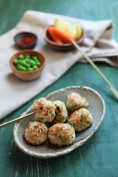 Juicy Chicken Meatballs: The meatballs were bursting with juice as soon as I sank my teeth into them. They are moist, flavorful, with just the perfect seasonings. Chicken Meatball Recipes, Chicken Meatballs, Asian Recipes, Healthy Recipes, Carnivore, Paleo, Appetizer Recipes, Appetizers, Turkey Recipes