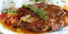 Vepřové na zelenině a bylinkách pečené v troubě | NejRecept.cz Pork Recipes, Cooking Recipes, Food 52, Meatloaf, Steak, Dinner Recipes, Food And Drink, Menu, Treats