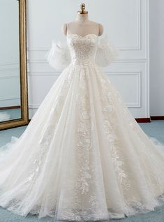 Ivory Ball Gown Tulle Sweetheart Neck Appliques Wedding Dress - Dresses for Work Ball Gown Dresses, Tulle Ball Gown, Tulle Dress, Prom Dresses, Ball Gowns Prom, Royal Ball Gowns, Blue Ball Gowns, Pretty Dresses, Beautiful Dresses