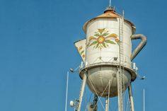 california-water-towers: Coffee Pot Water Tower - Kingsburg, California