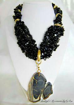 Beautiful Necklace Black Onix. Design: Paola L Mera. GLoucacelunaphotography.
