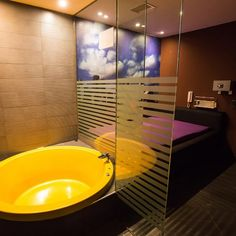Darling Strip Club Barcelona, we are a strip bar and brothel in Barcelona with ten thematic suites. Night Club, Night Life, Strip Clubs, Barcelona, Soup, Check, Barcelona Spain, Soups