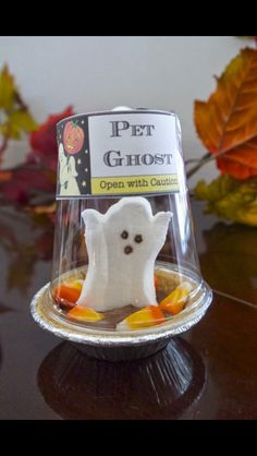 A perfect Halloween treat or gift! Little ghosties and little pies❤️