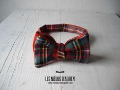 Le Petit Aberdeen Collection 2016 Odyssée Noeud papillon réversible :  • Sergé laine/polyester écossais • Sergé laine rouge