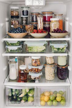 Refrigerator Organization, Kitchen Organization Pantry, Home Organisation, Fridge Storage, Diy Organization, Organizing, Food Storage, Storage Ideas, Pantry Ideas