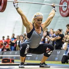 Ragnheiður Sara Sigmundsdottir at the Dubai Fitness Championship 2016