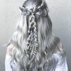 """70.5 mil Me gusta, 201 comentarios - Sephora (@sephora) en Instagram: """"#Regram @BioIonicLA ・・・ Stay Cool ❄️ this Summer with this GORGEOUS #halfup hairstyle by…"""""""
